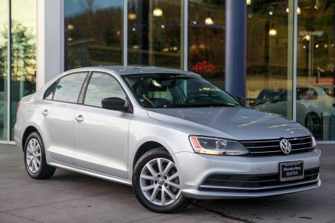Pre-Owned 2015 Volkswagen Jetta Sedan 1.8T SE W/CONNECT FWD 4dr Car