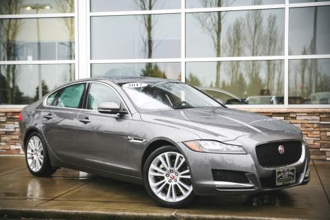 Certified Pre-Owned 2017 Jaguar XF 20d Prestige With Navigation & AWD