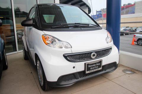 Pre-Owned 2014 smart fortwo Pure RWD 2dr Car