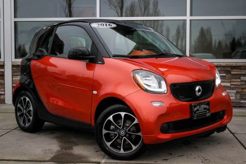 Pre-Owned 2016 smart fortwo Passion RWD 2dr Car