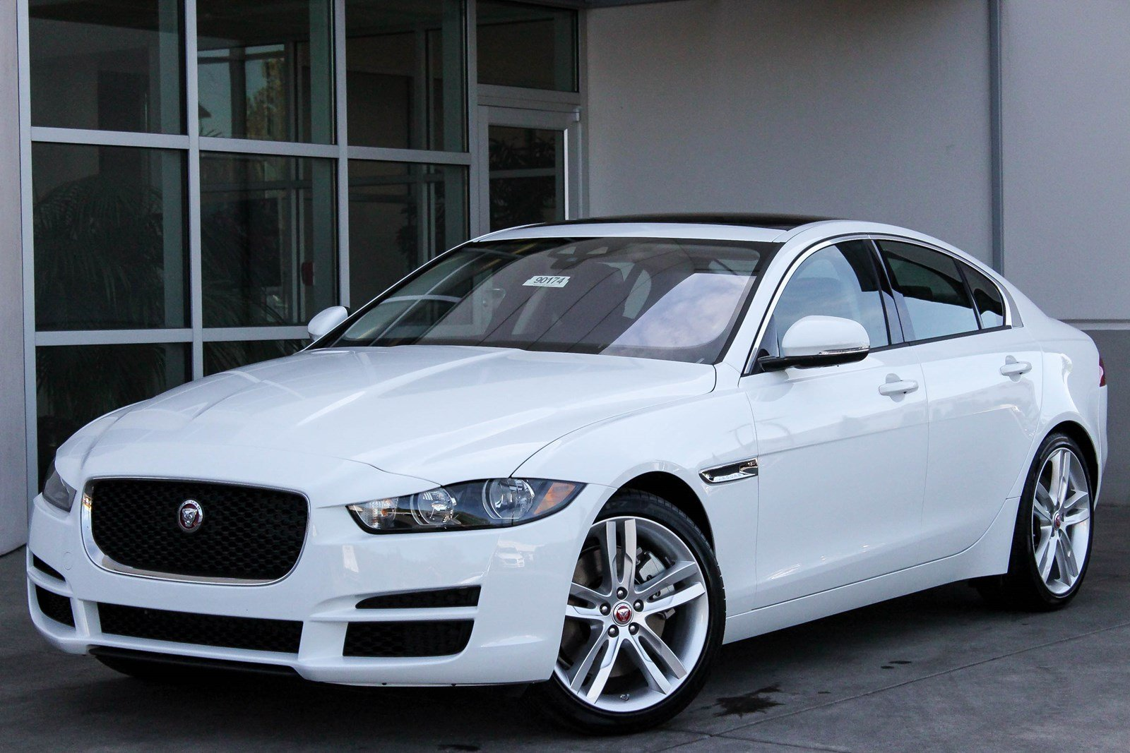 2018 jaguar xe. unique jaguar new 2018 jaguar xe 35t premium in jaguar xe g
