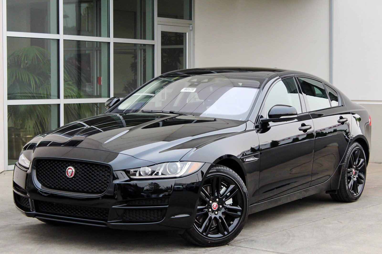 2018 jaguar xe. wonderful jaguar new 2018 jaguar xe 25t prestige inside jaguar xe