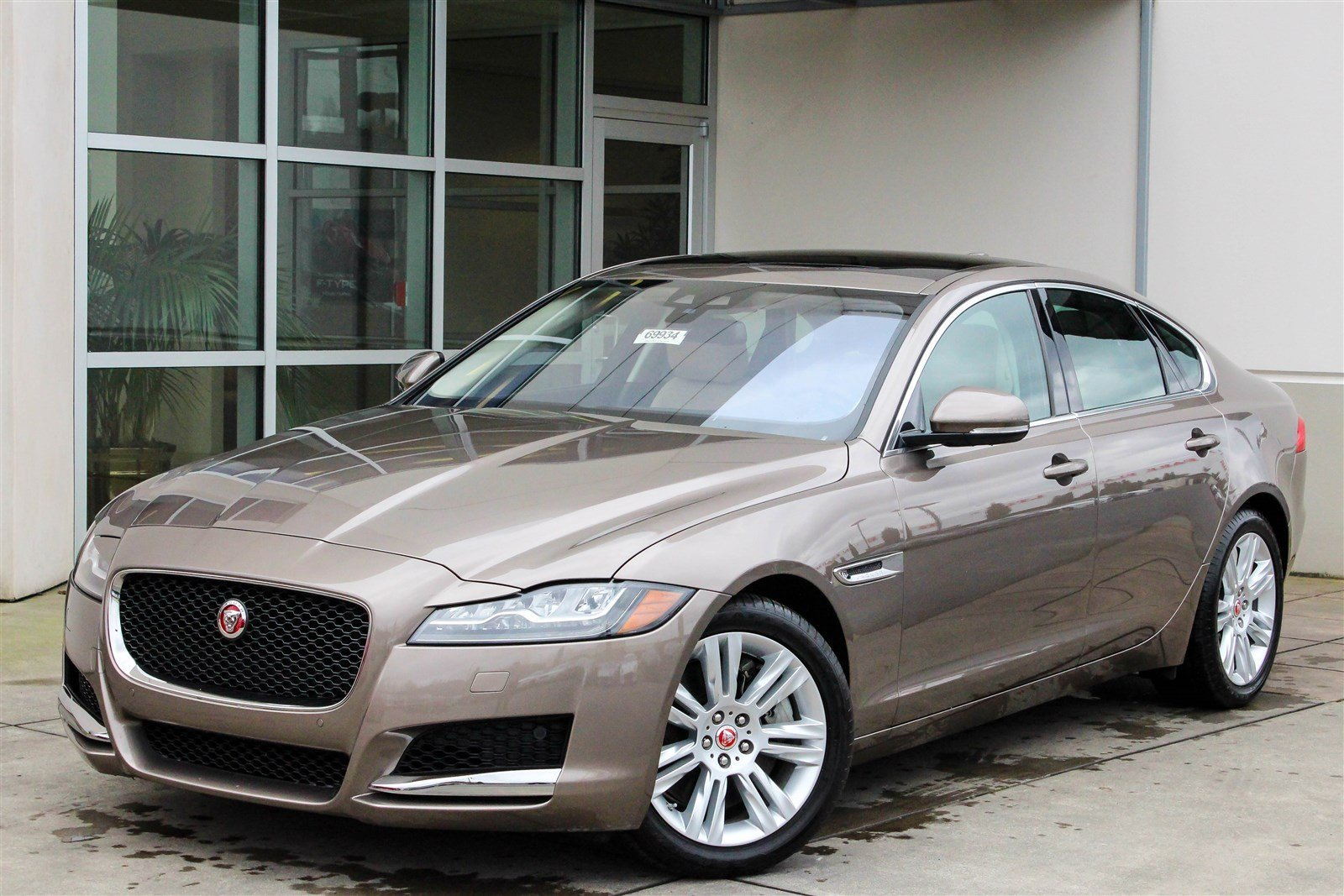 new 2017 jaguar xf 35t premium 4dr car in lynnwood 69934 jaguar seattle. Black Bedroom Furniture Sets. Home Design Ideas