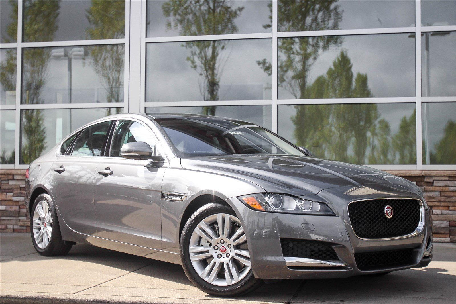 new 2017 jaguar xf 35t premium 4dr car in lynnwood 59532 jaguar seattle. Black Bedroom Furniture Sets. Home Design Ideas