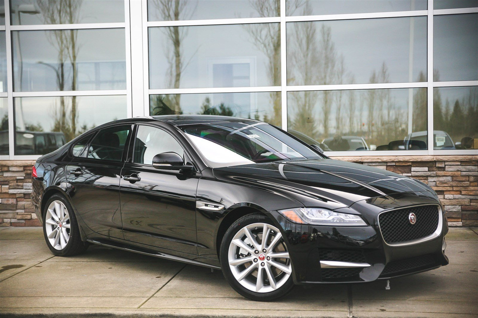 new 2017 jaguar xf 35t r sport 4dr car in lynnwood 59598 jaguar seattle. Black Bedroom Furniture Sets. Home Design Ideas
