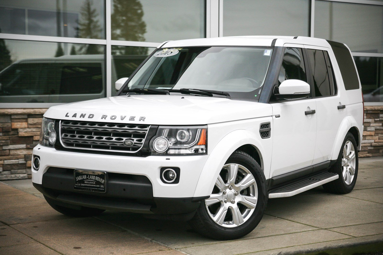 Certified Pre-Owned 2015 Land Rover LR4 HSE