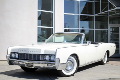 Pre-Owned 1967 LINCOLN CONTINENTAL CONVERTIBLE